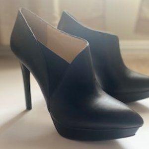 Size 8 Jessica Simpson Black Booties